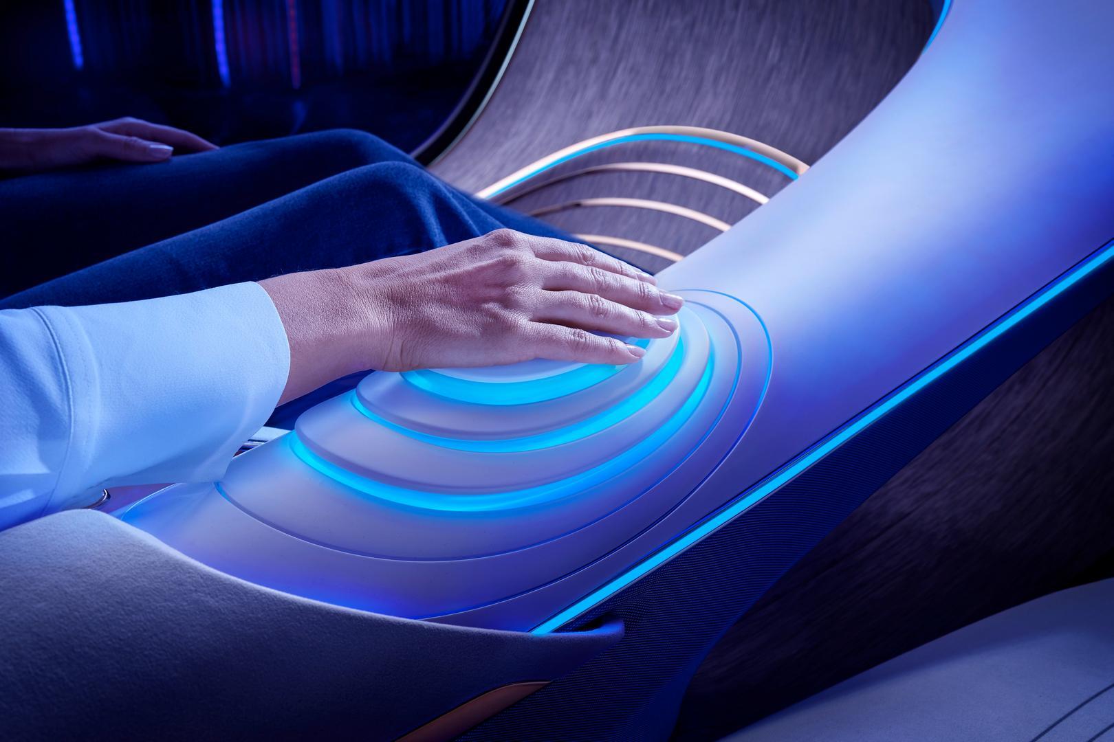 Mercedes-Benz VISION AVTR Hand Control