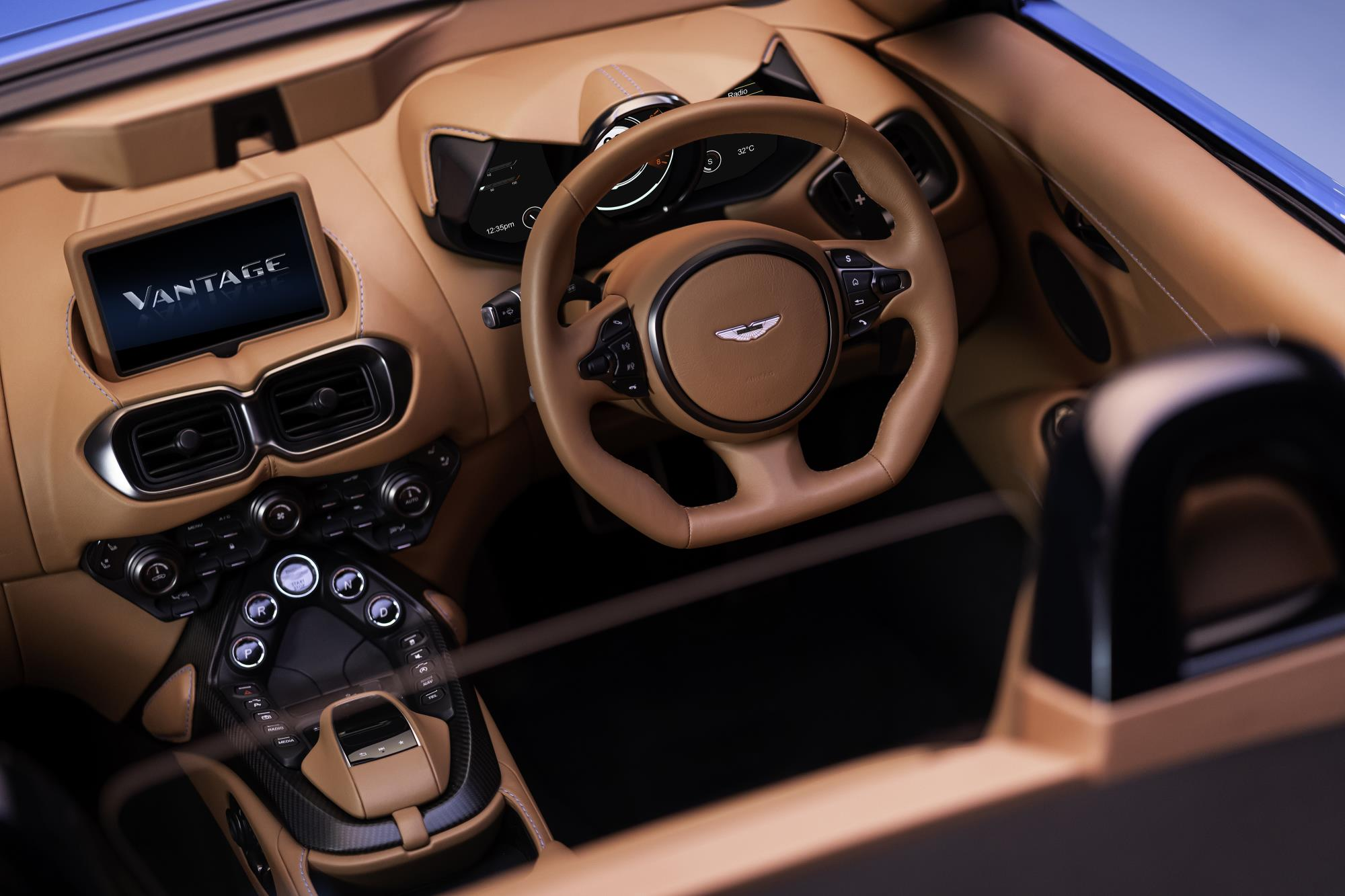 Aston Martin Vantage Roadster Cabin