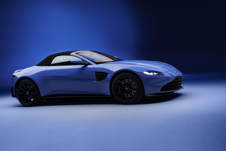 Aston Martin Vantage Roadster Top Up
