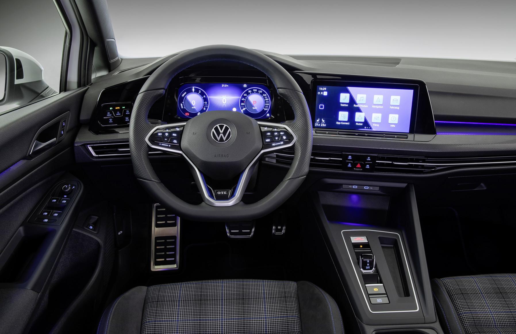 Mk8 Volkswagen Golf GTE Cockpit