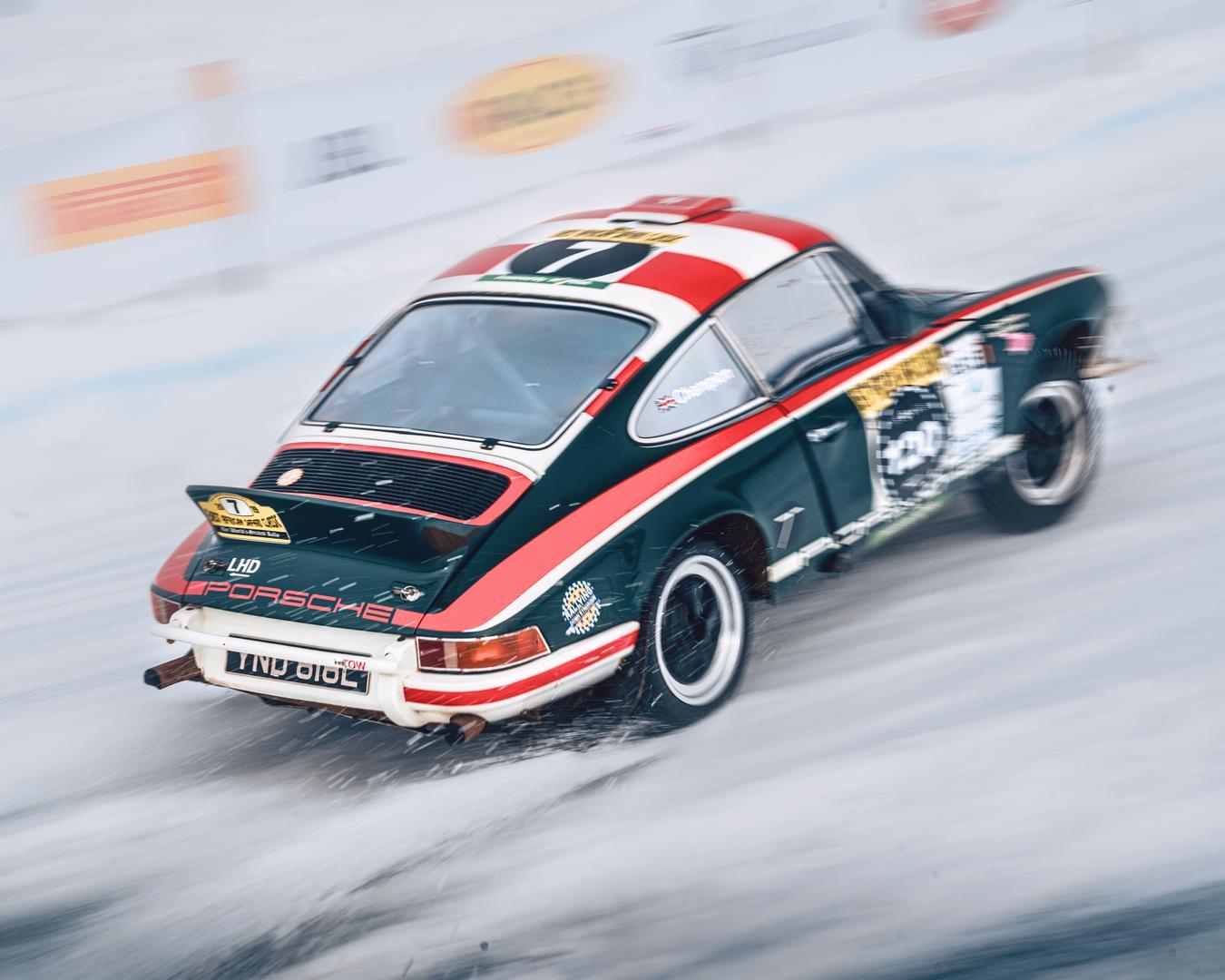 GP Ice Race Porsche 911