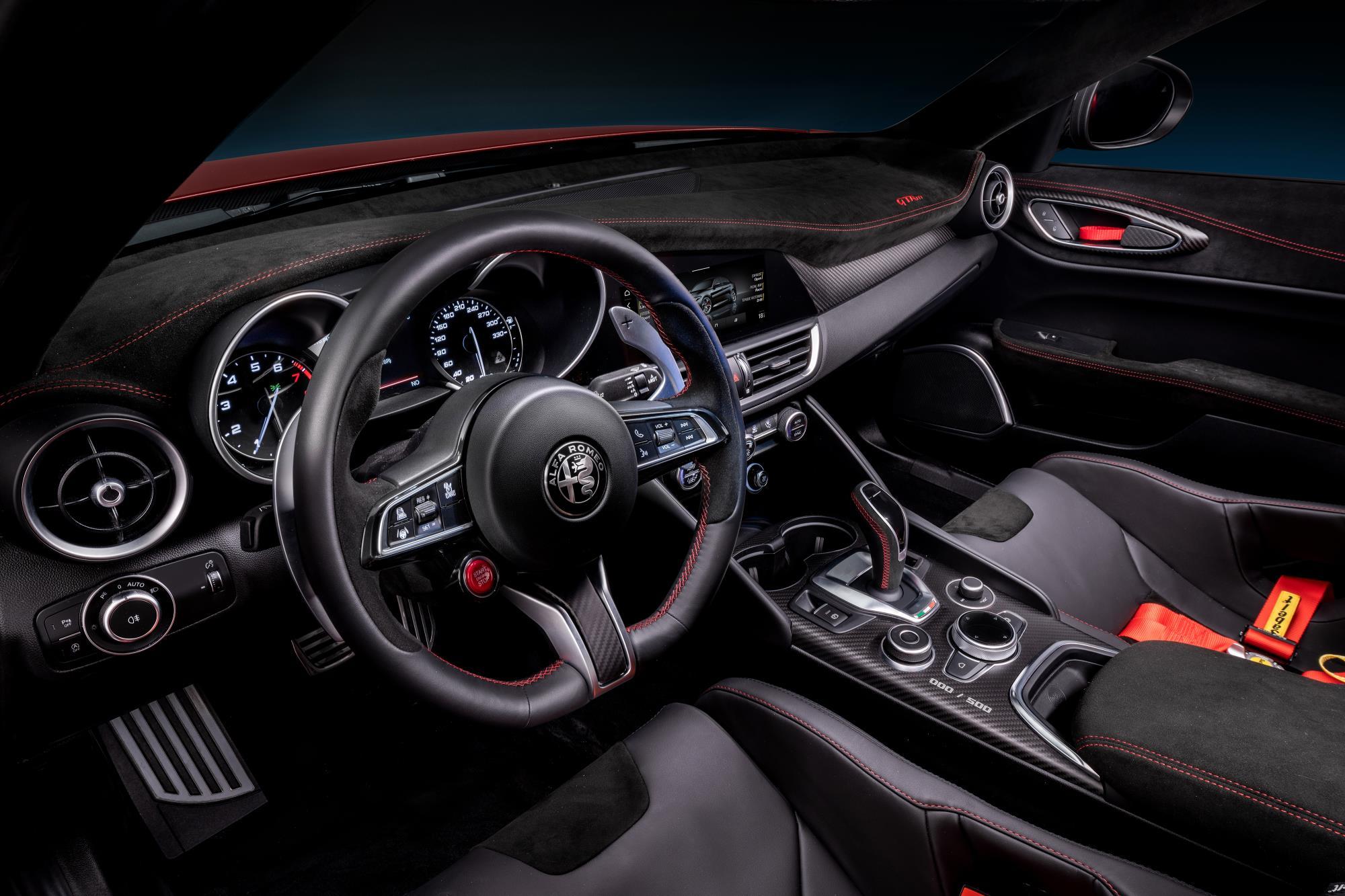 Alfa Romeo GTA Interior