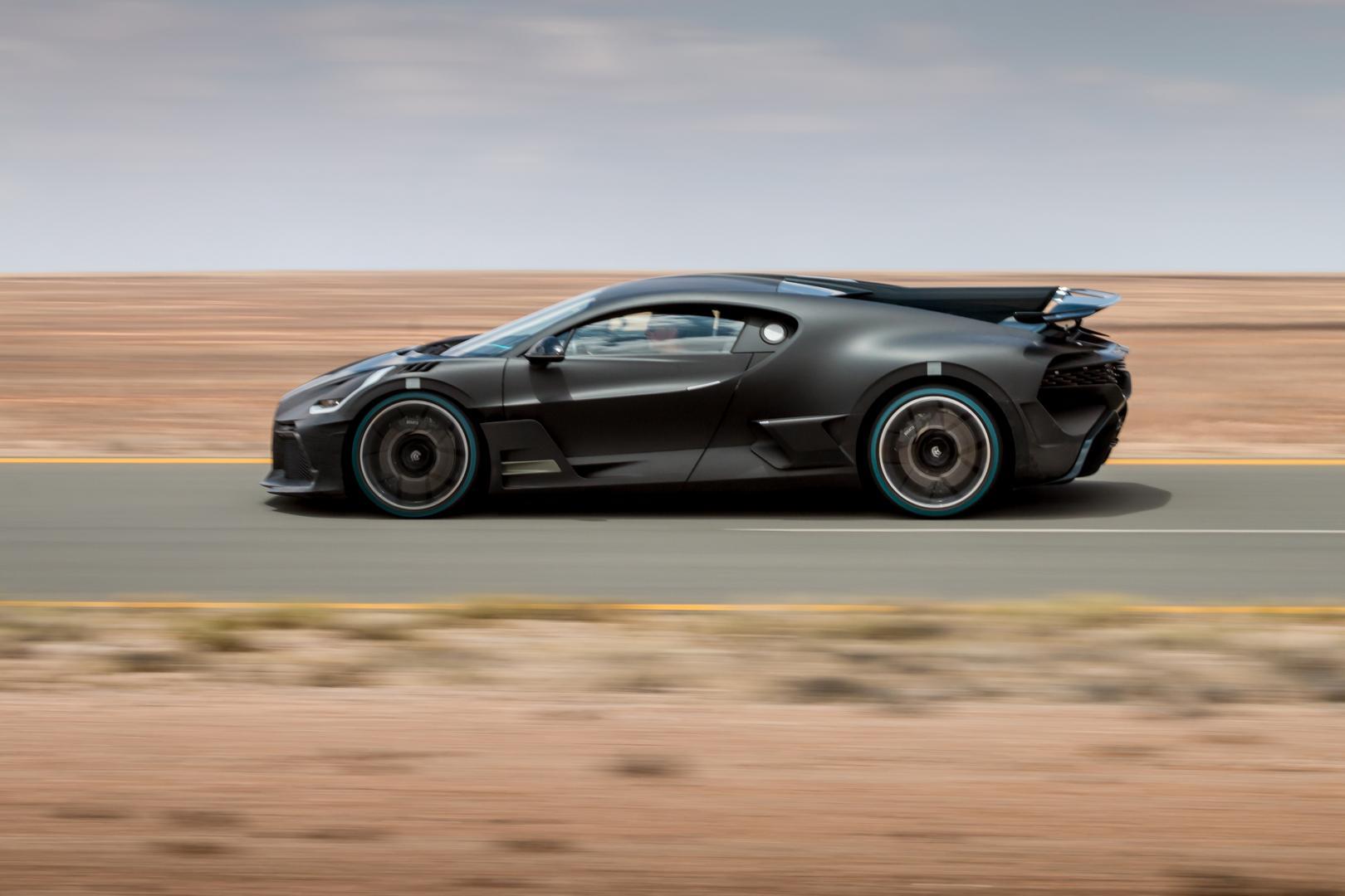 Bugatti Divo Side