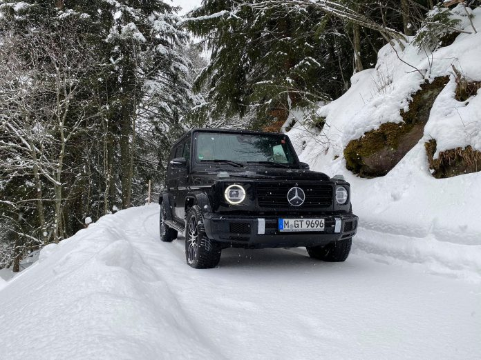 Mercedes-Benz G500 Snow