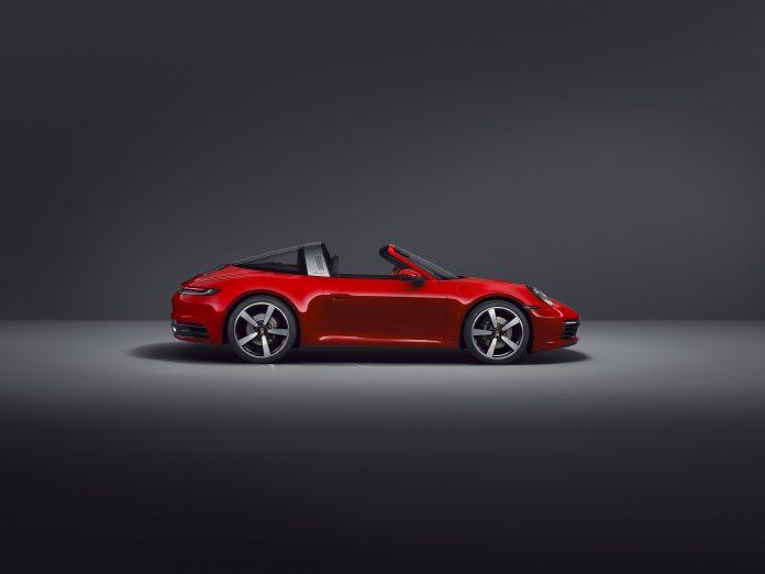 Porsche 992 Targa 4 Side