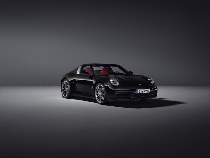 Porsche 992 Targa 4S Black