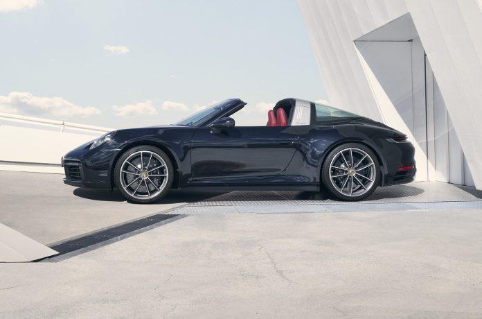 Porsche 992 Targa 4S Side