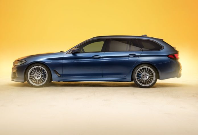 2021 BMW Alpina B5 Touring Side