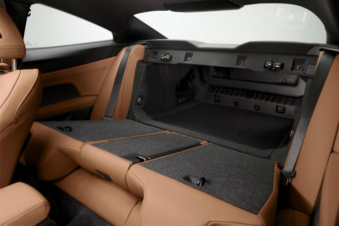 2021 BMW M440i Coupe Trunk