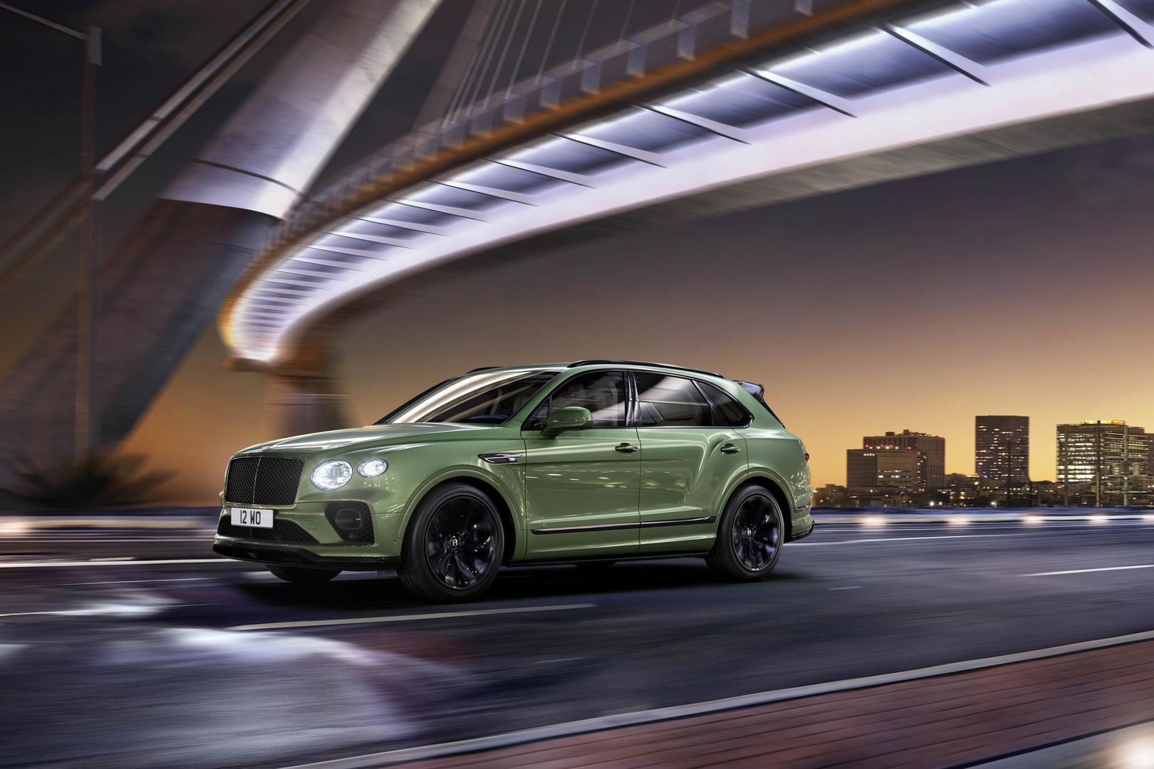 2021 Bentley Bentayga Side