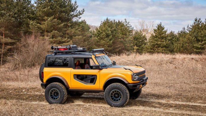 2021 Ford Bronco Side