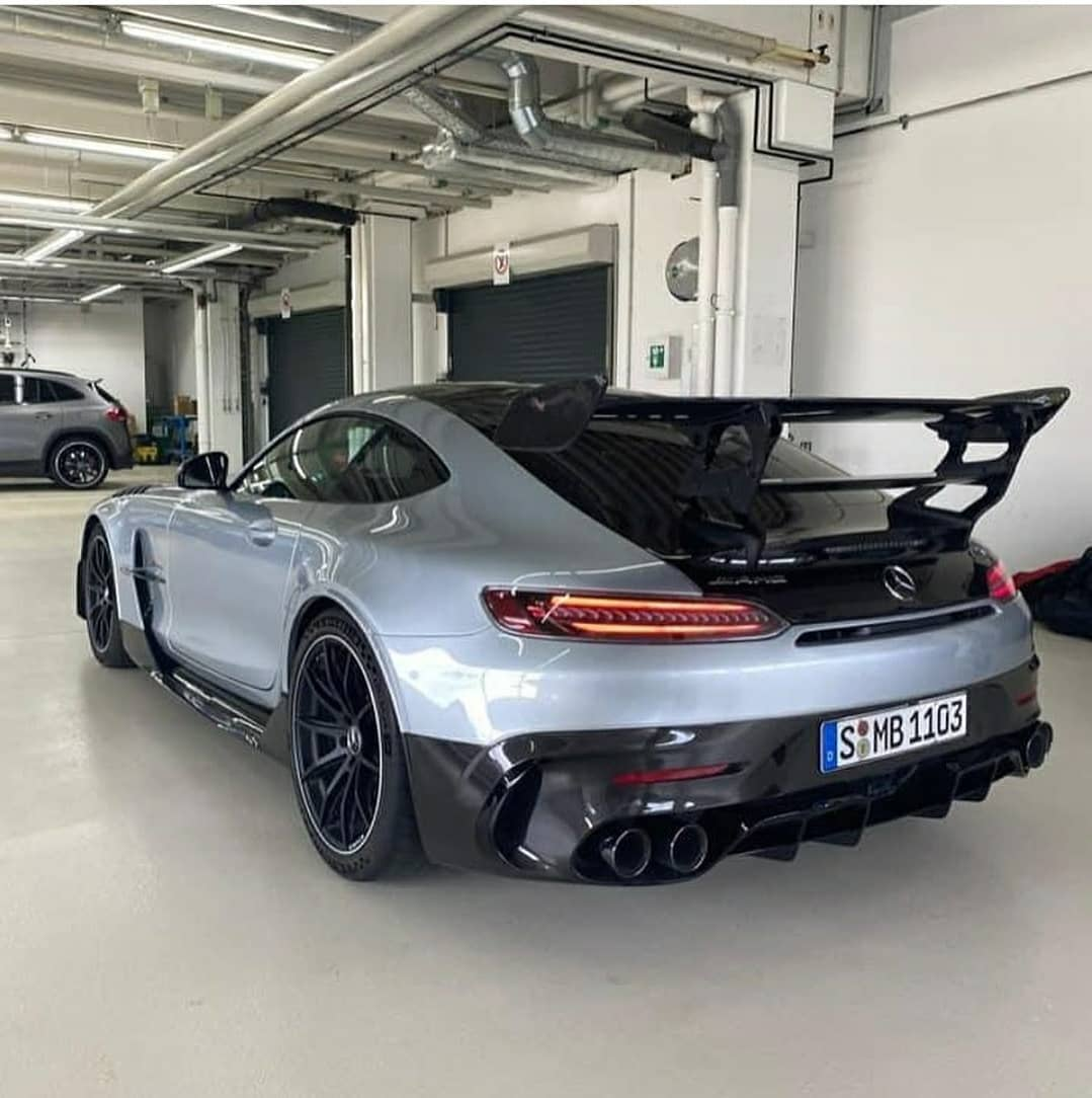 Leaked Mercedes-AMG GT R Black Series Photos Spoil