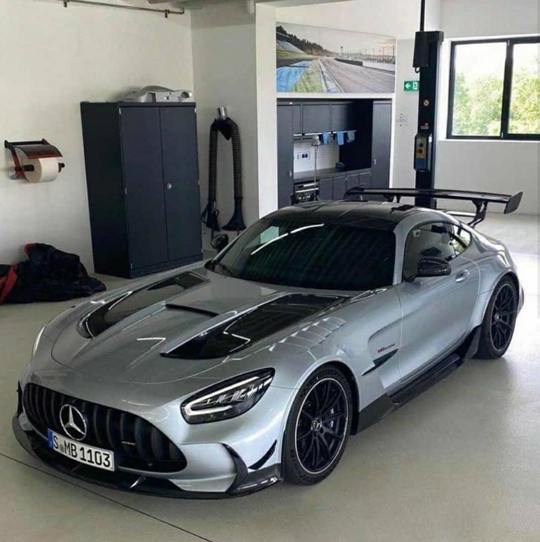 Leaked Mercedes-AMG GT R Black Series