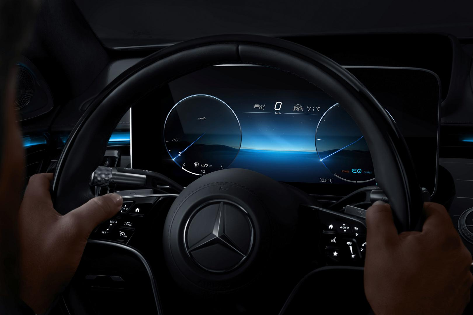 2021 Mercedes-Benz S-Class Driver Screen