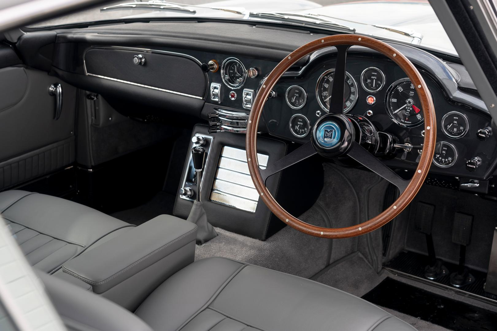 Aston Martin DB5 Interior