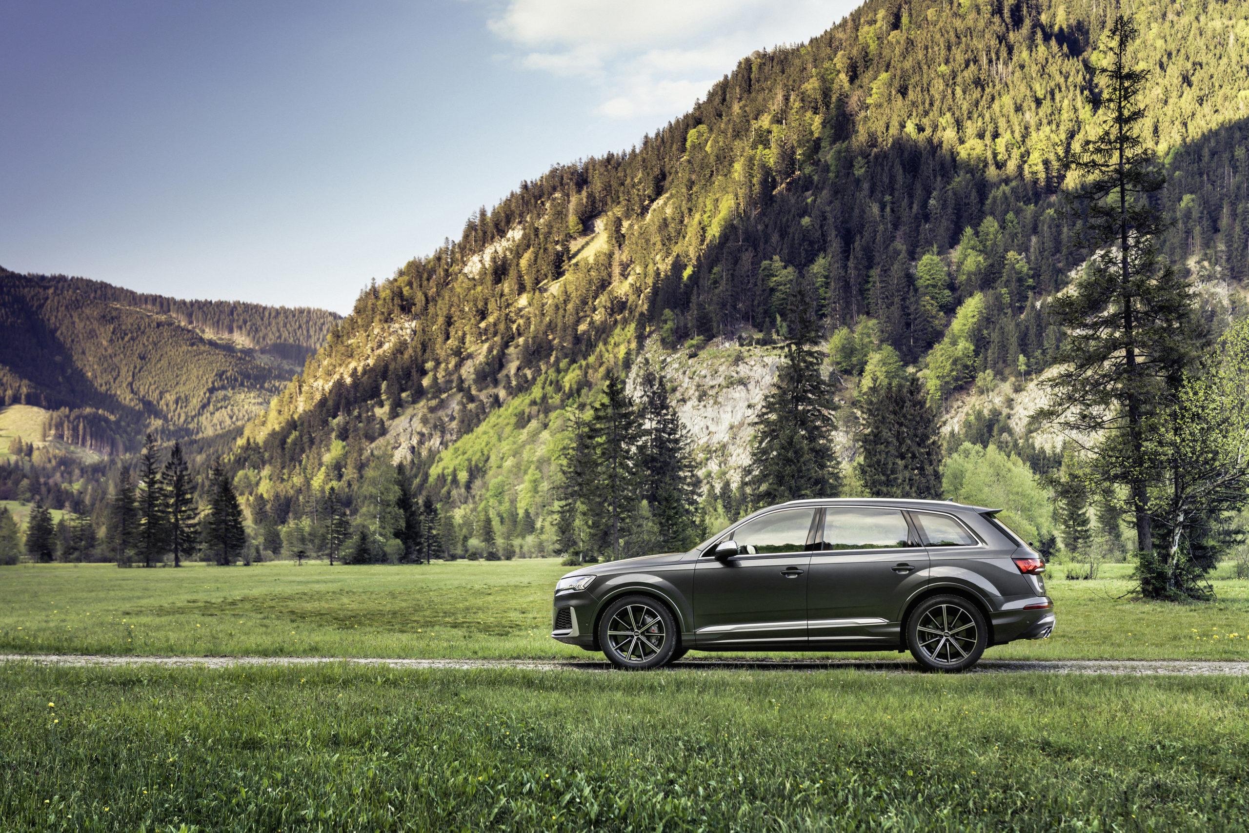 Audi SQ7 TFSI Side