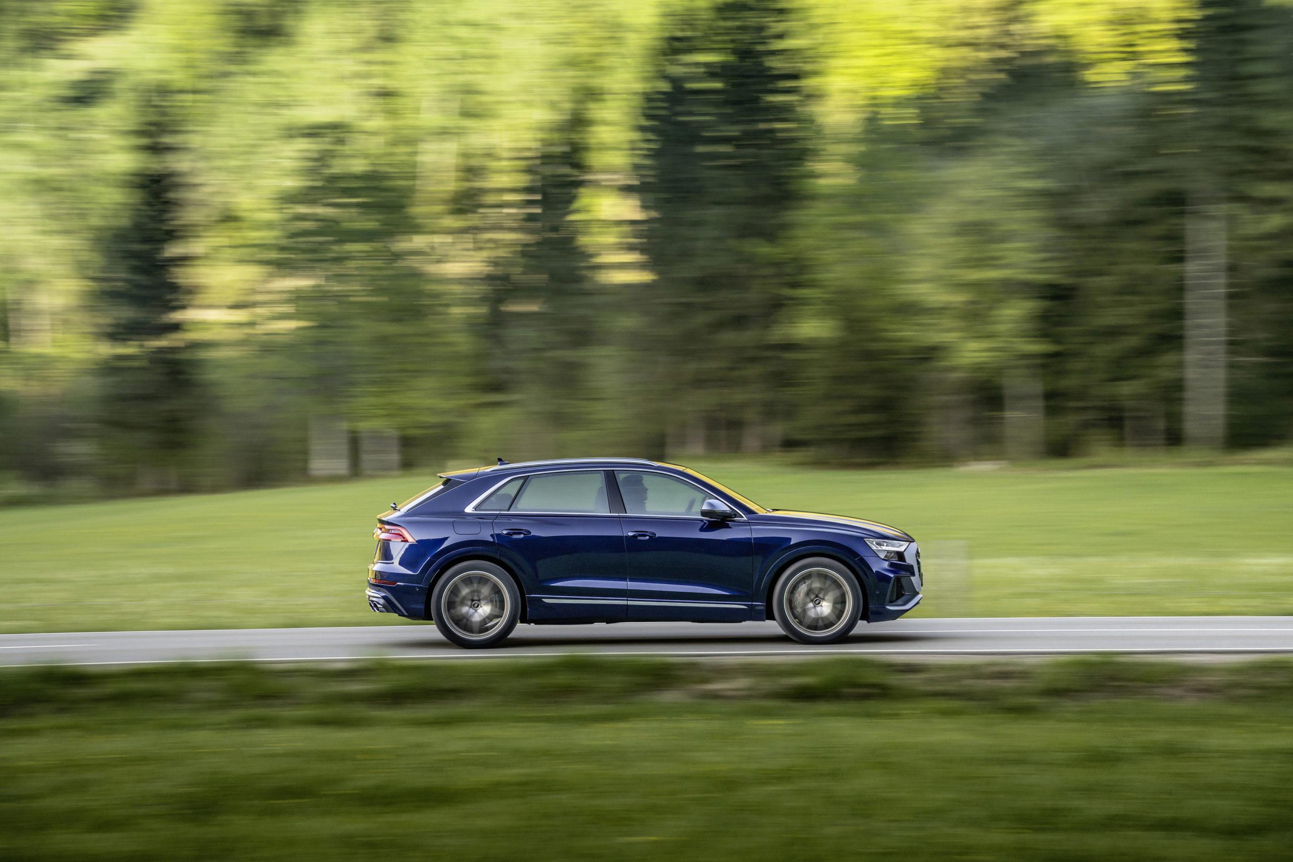 Audi SQ8 TFSI Side