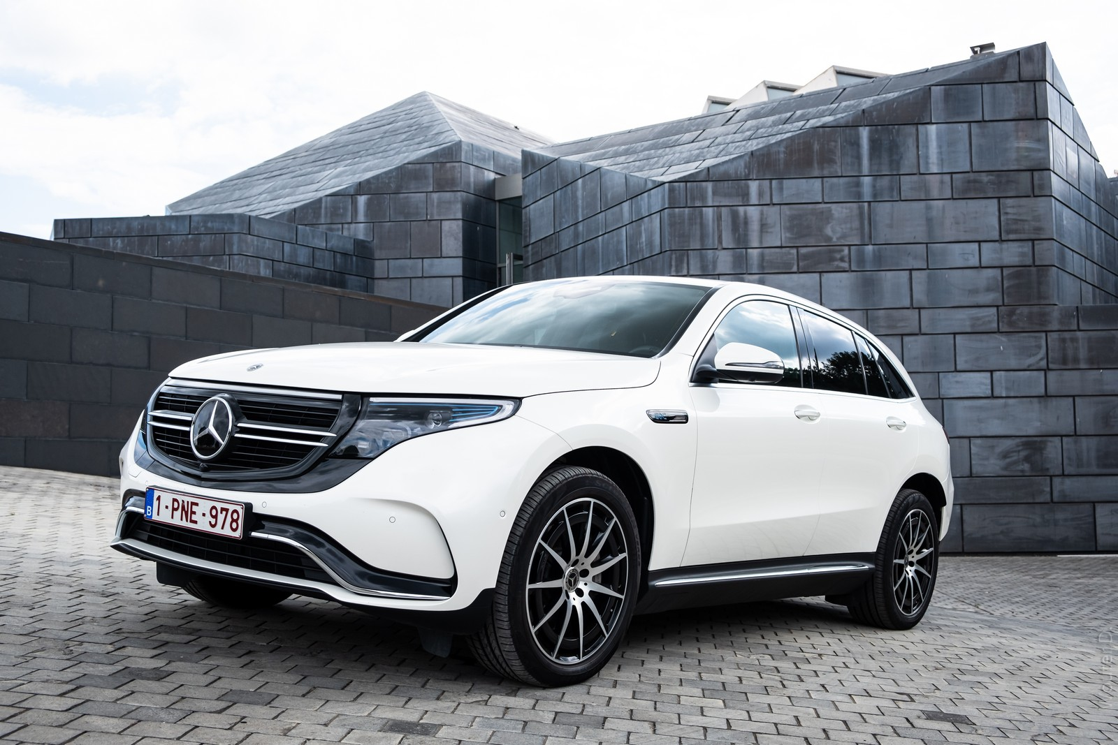 2020 Mercedes-Benz EQC 400 : Why Choose an Electric Mercedes?