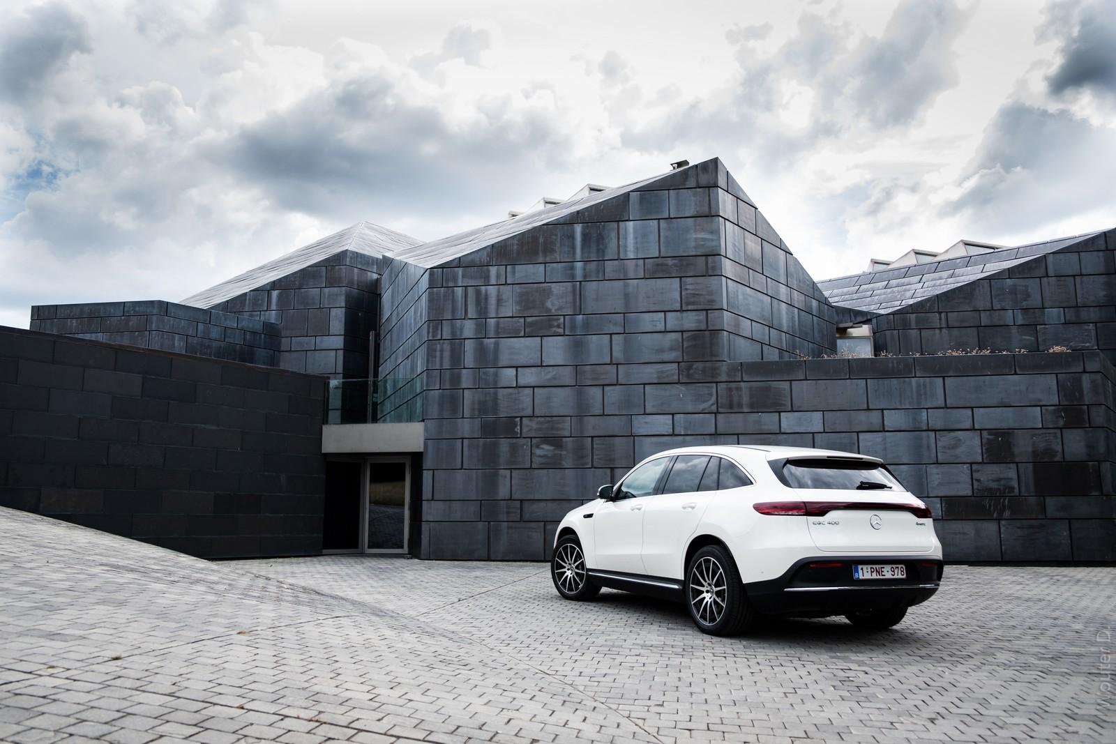 Mercedes-Benz EQC 400 Rear