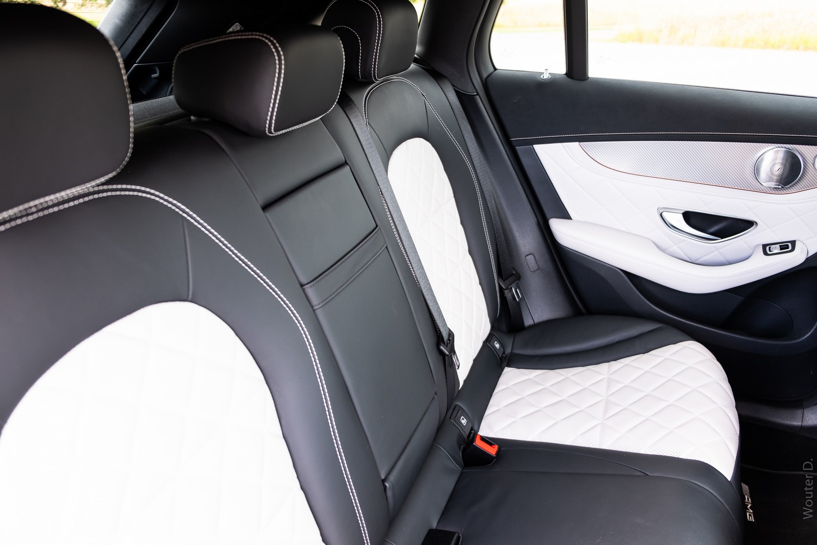 Mercedes-Benz EQC 400 Seats