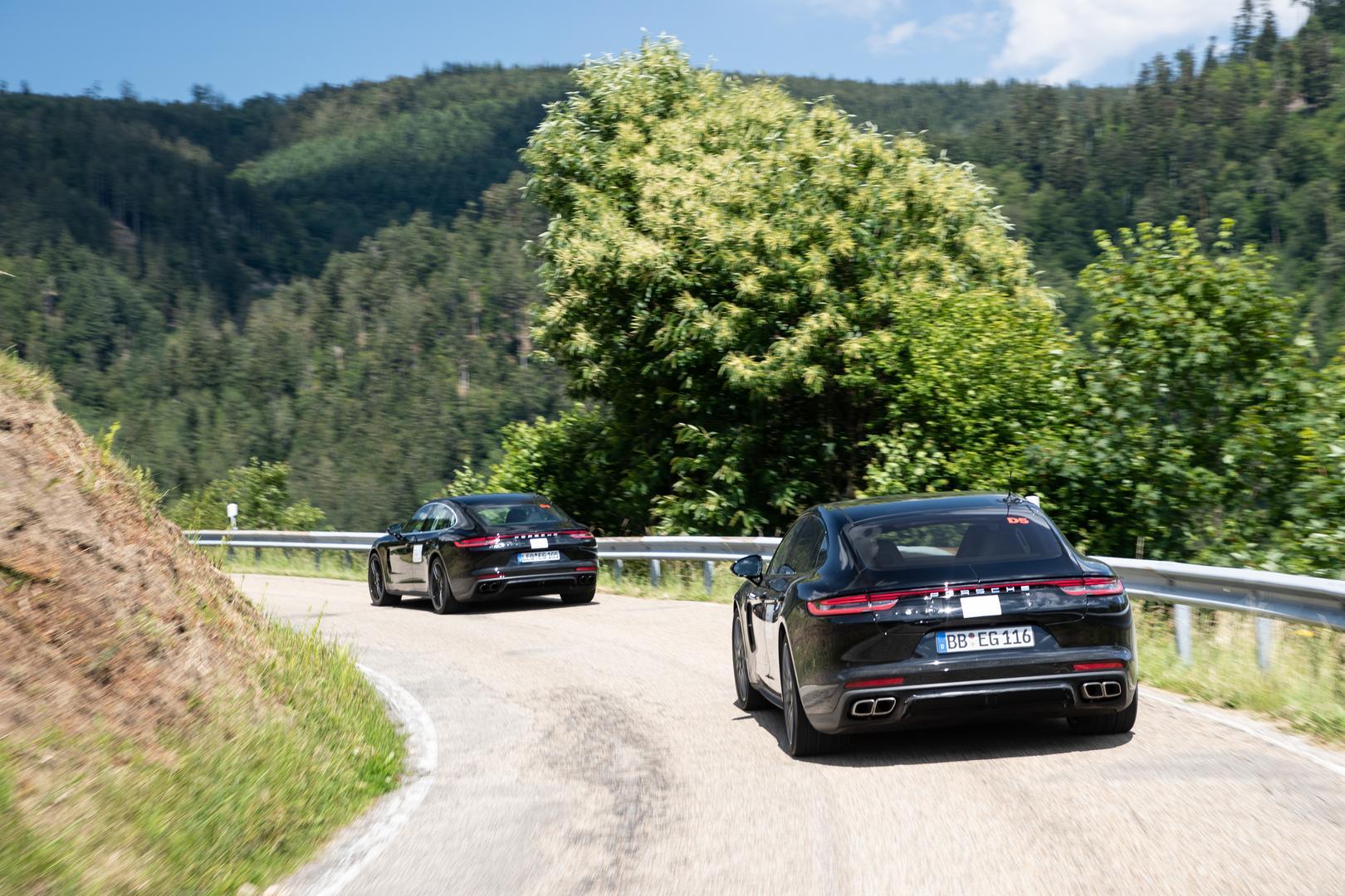 Porsche Panamera Convoy