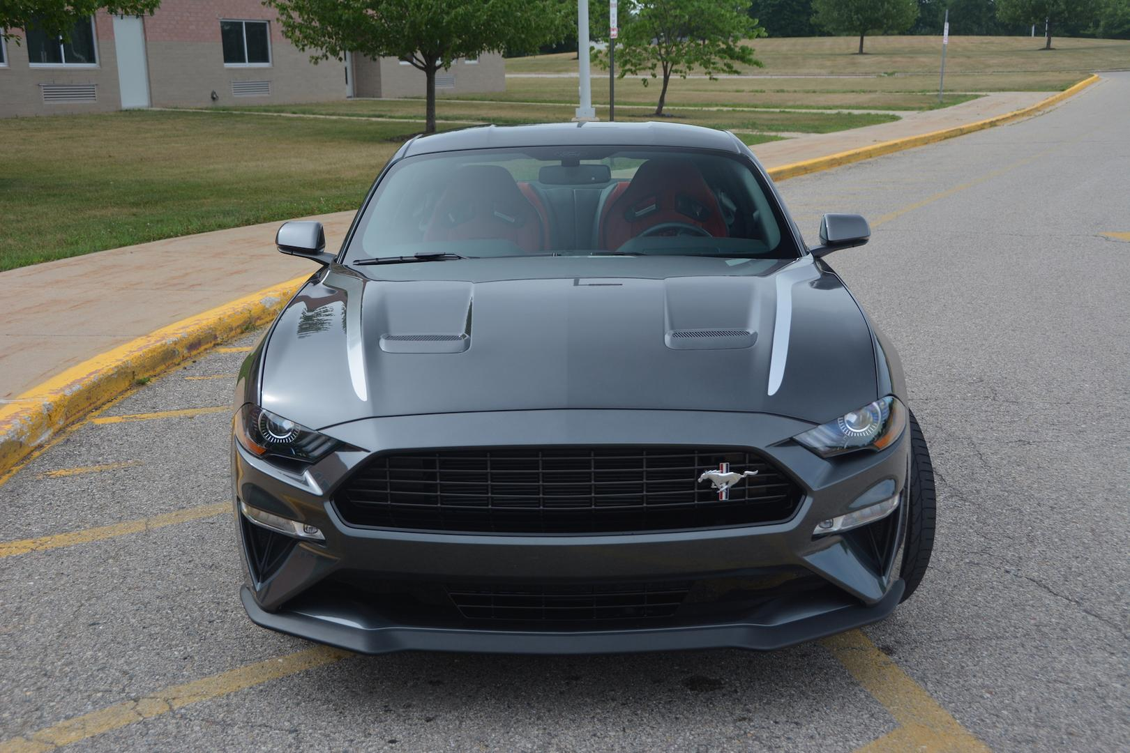 Ford Mustang EcoBoost Front