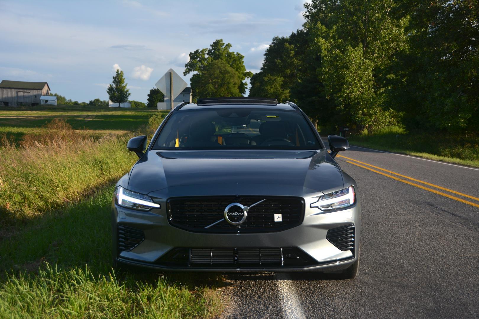Grey Volvo V60 T8 Polestar