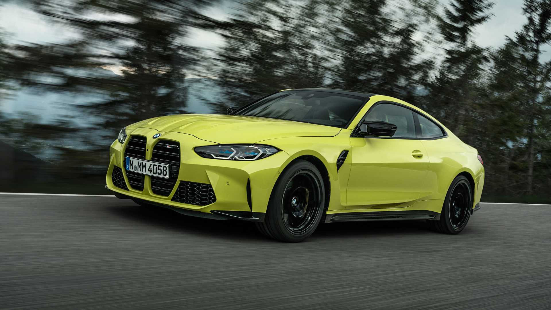 2021 BMW M4 Driving