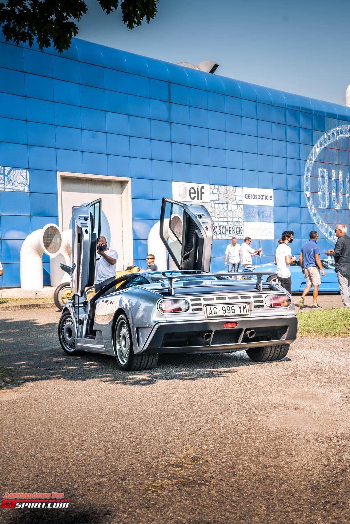 Bugatti EB110 Doors Up
