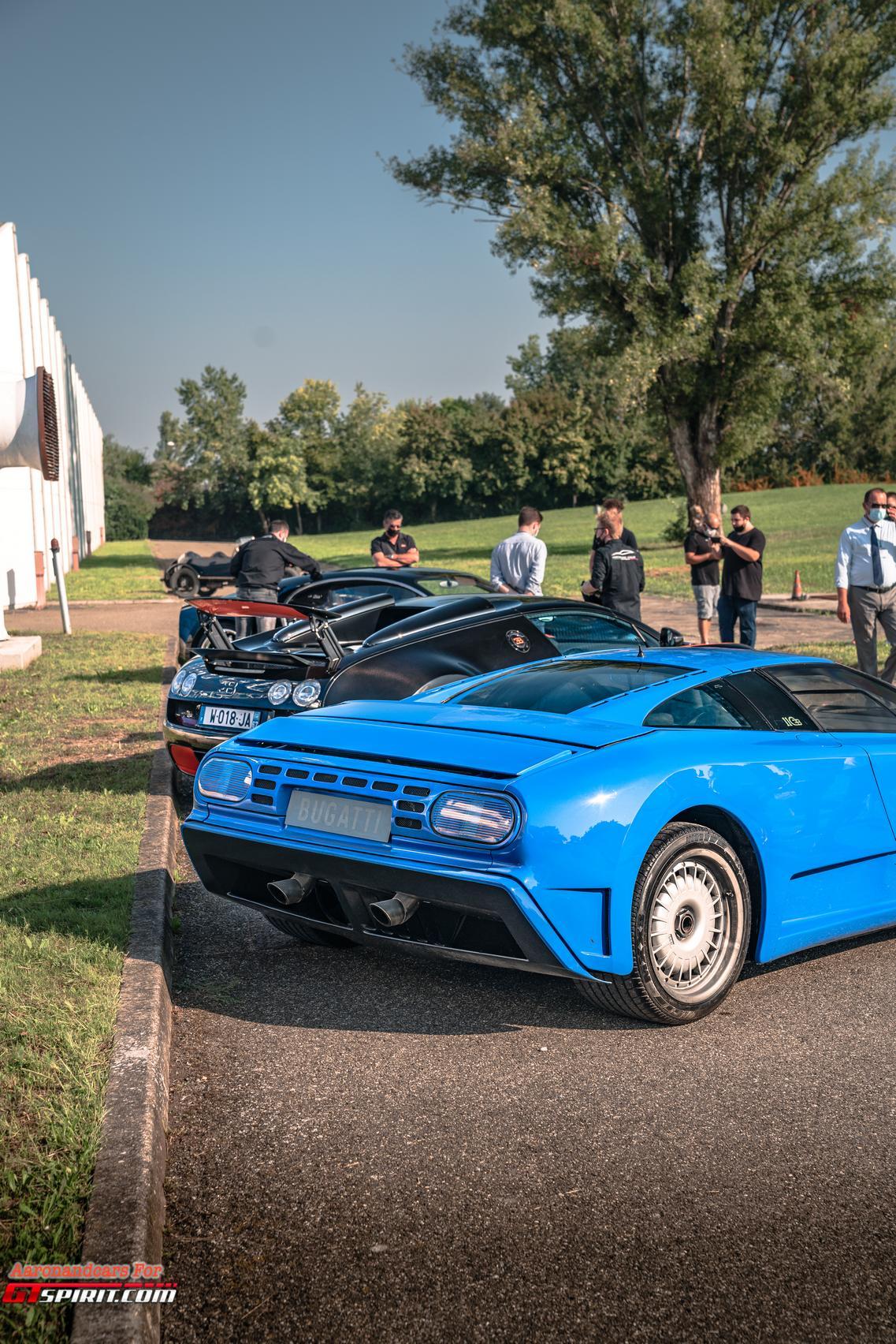 Blue Bugatti EB110 Rear