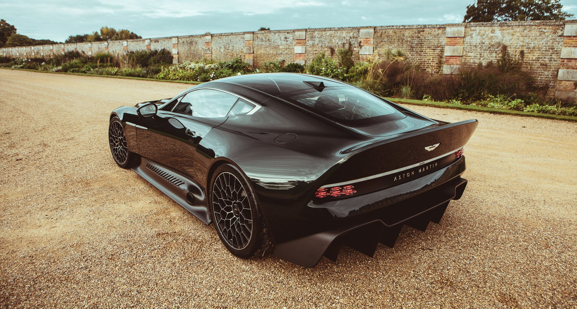 Aston Martin Victor Rear