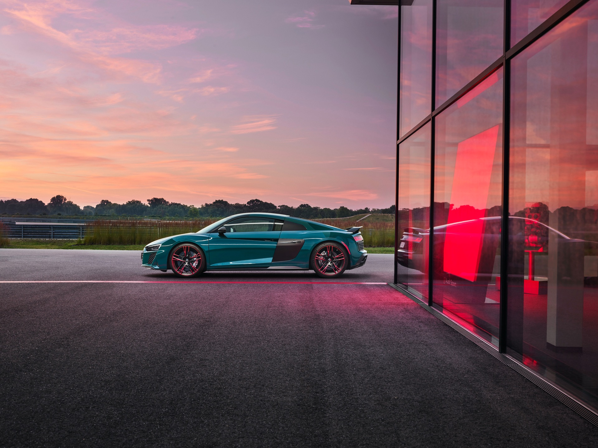 Audi R8 Green Hell Side