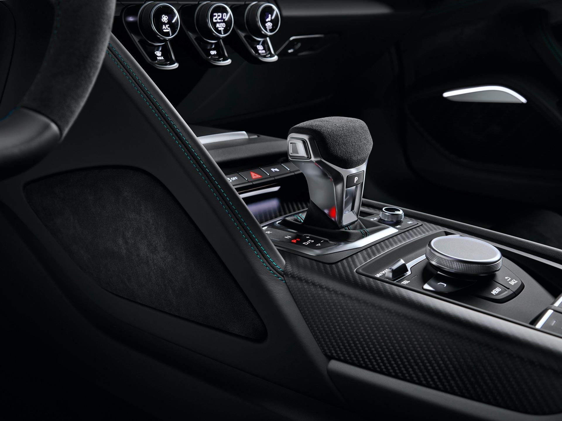 Audi R8 Green Hell Gear Shift