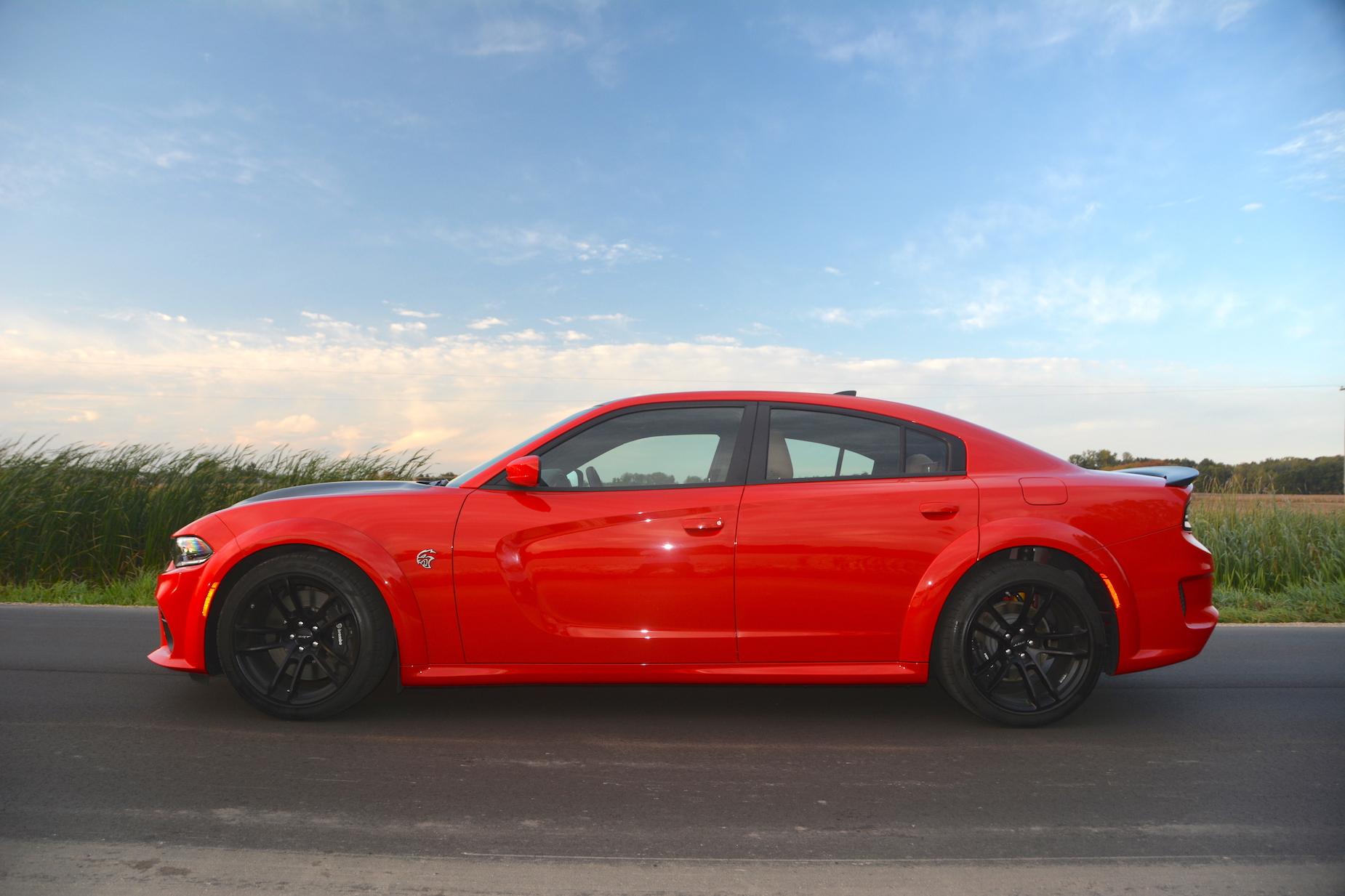 Dodge Charger SRT Hellcat Widebody Side