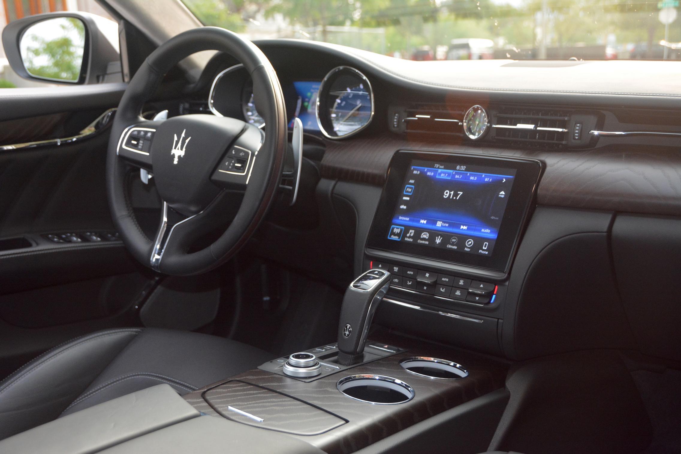 Maserati Quattroporte S Q4 GranLusso Cabin
