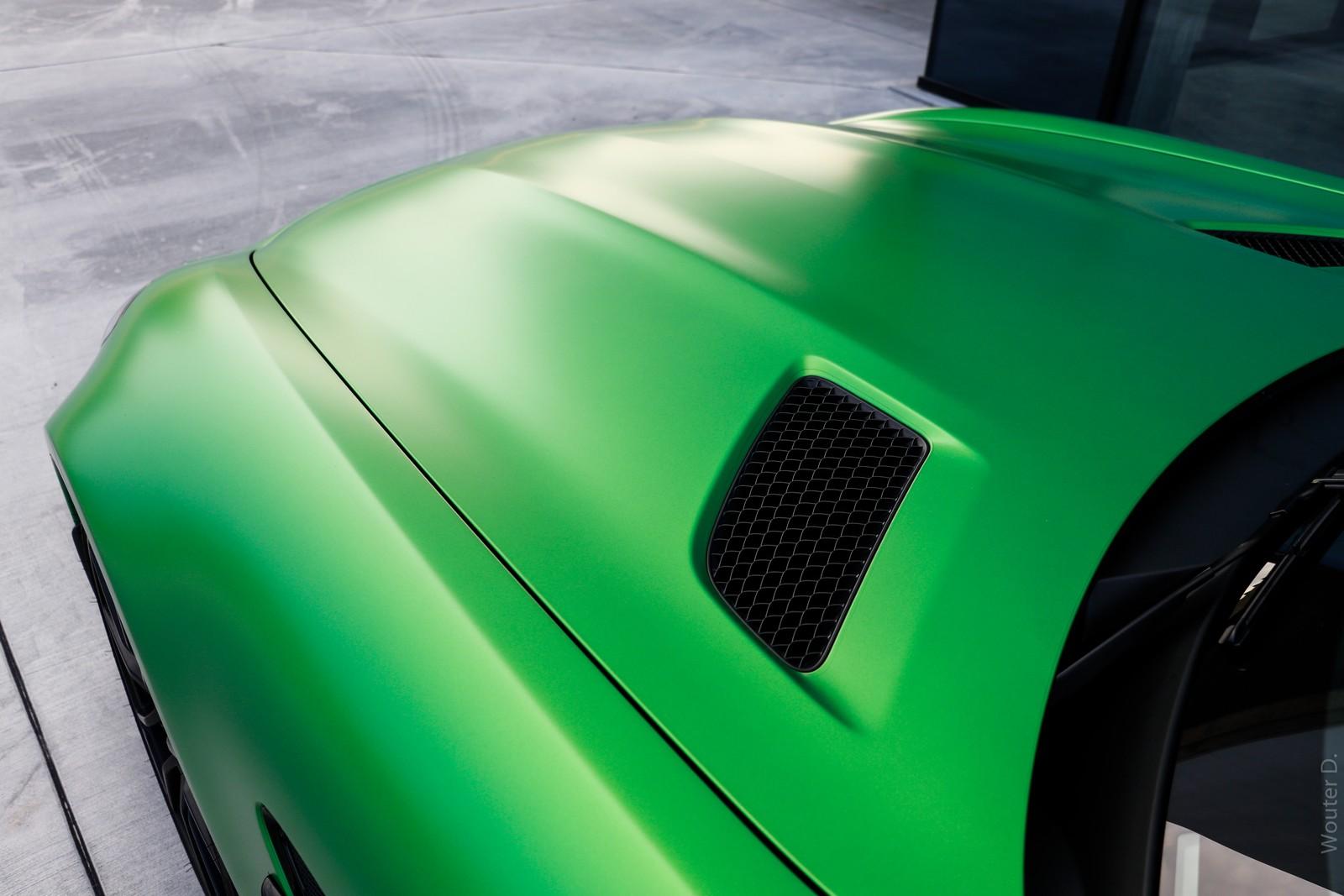 Mercedes AMG GT-R Hood