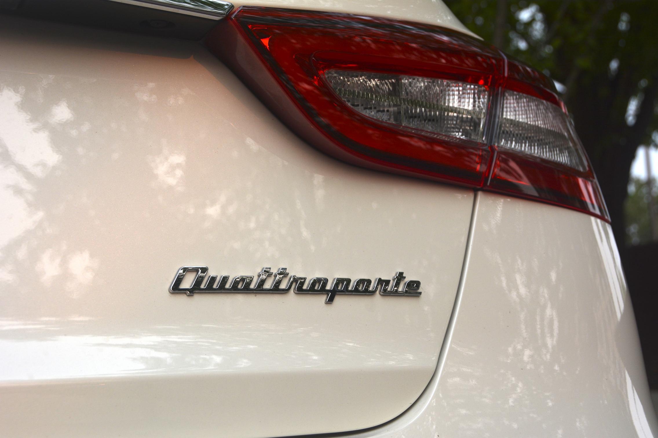 Quattroporte Badge