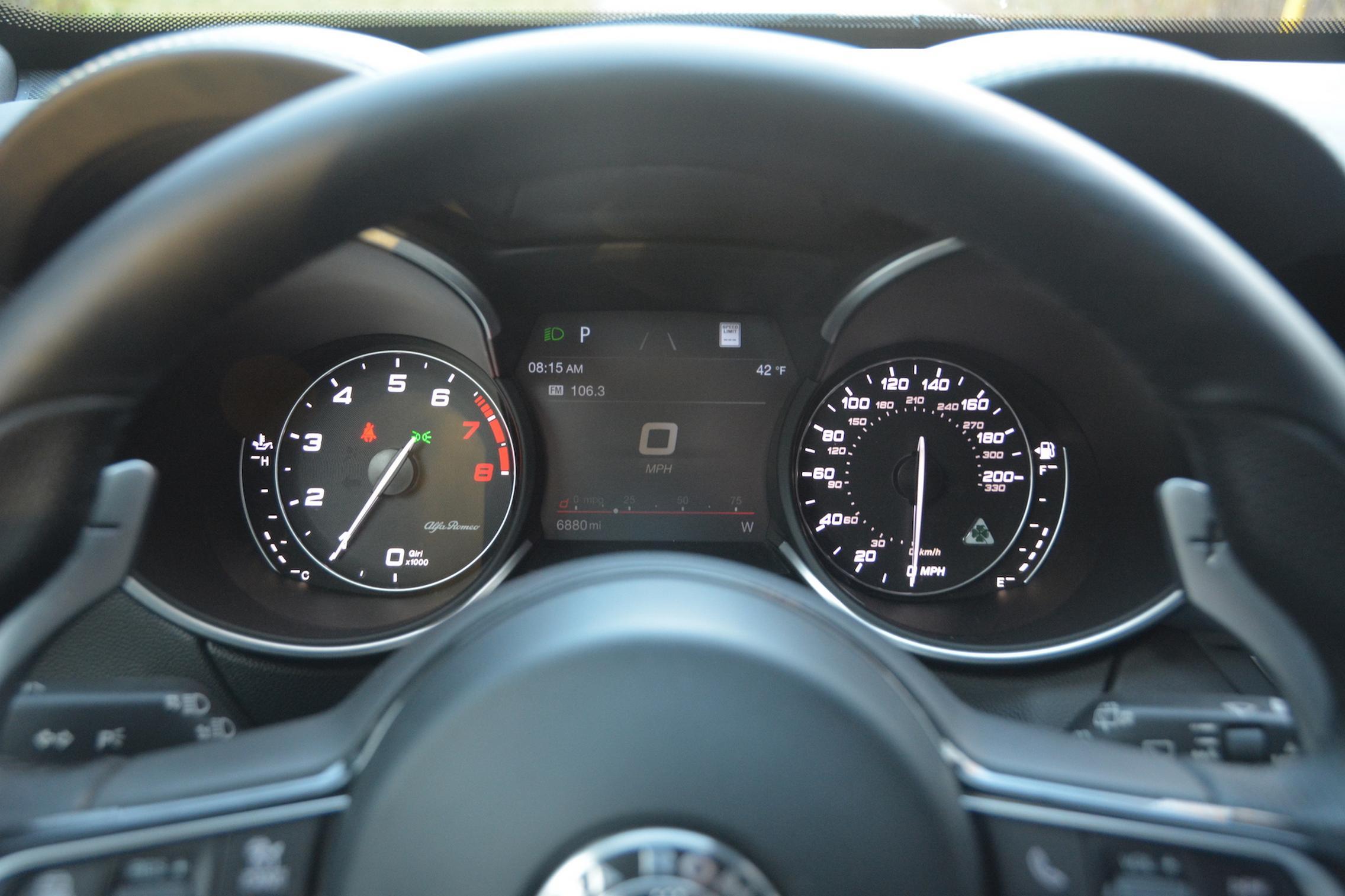 Alfa Romeo Stelvio QV Speedo