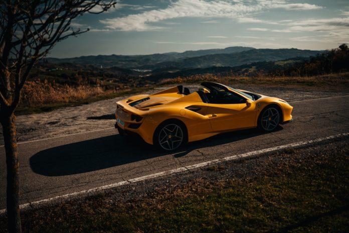 Ferrari F8 Spider Giallo Modena Yellow
