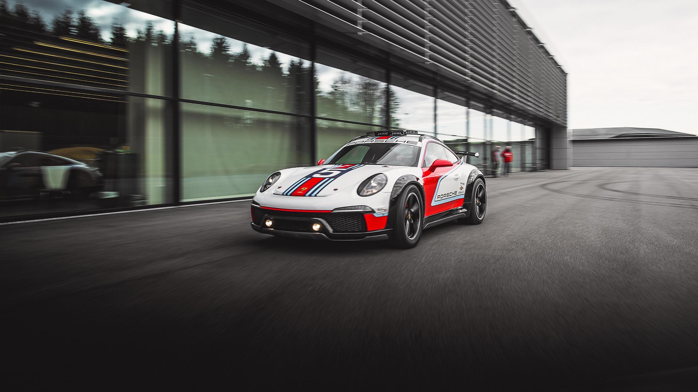 Martini Porsche 911 Vision Safari