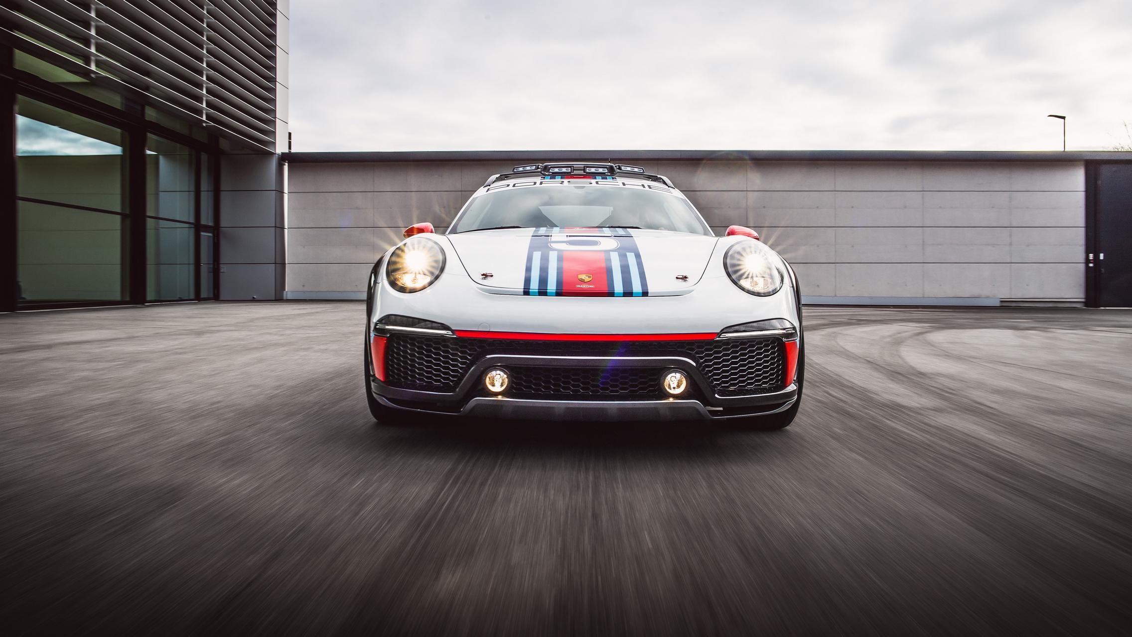 Porsche 911 Vision Safari front