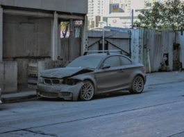 Abandoned-BMW-1M-Coupe