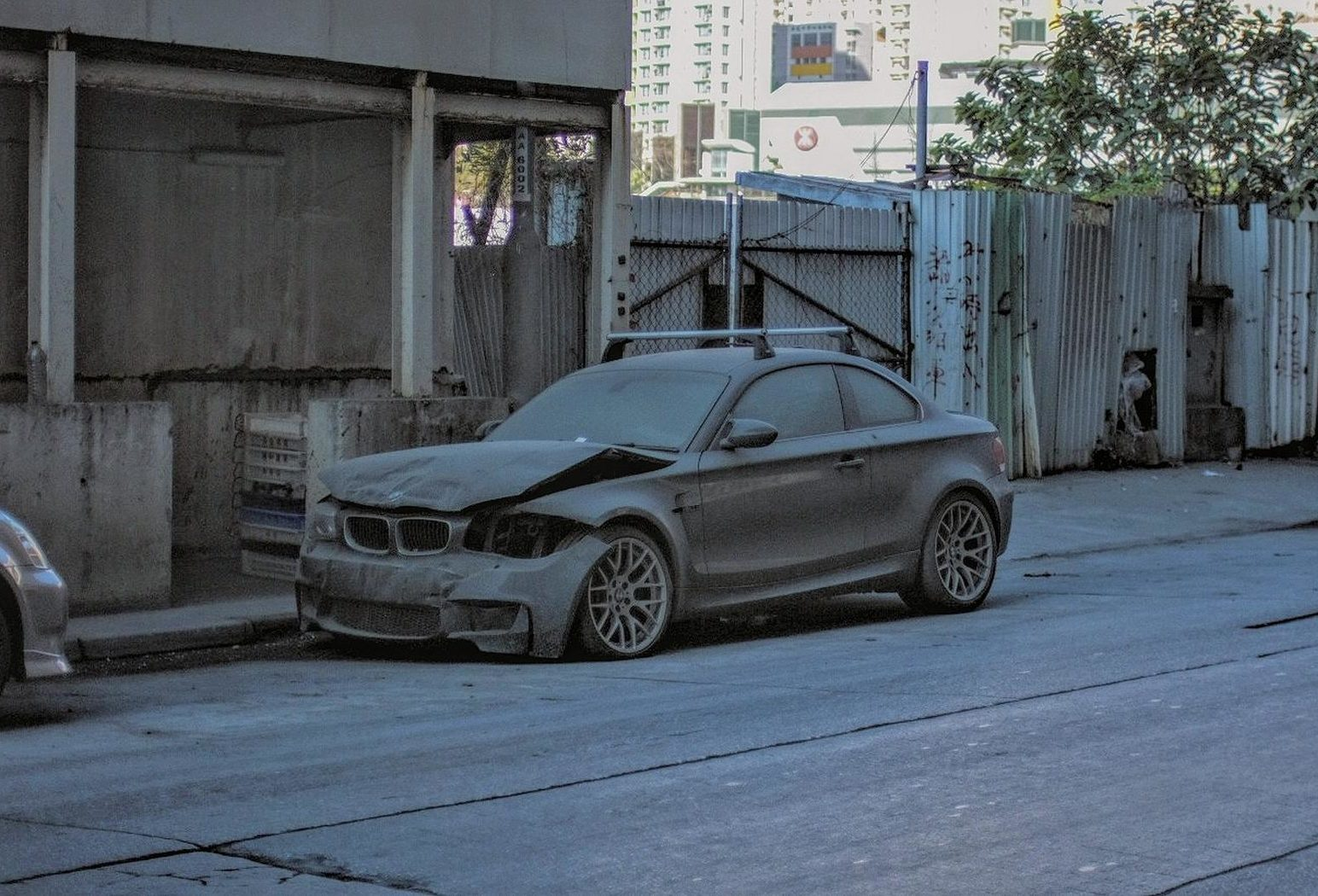 Save Me: BMW 1M Coupe Abandoned in Hong Kong
