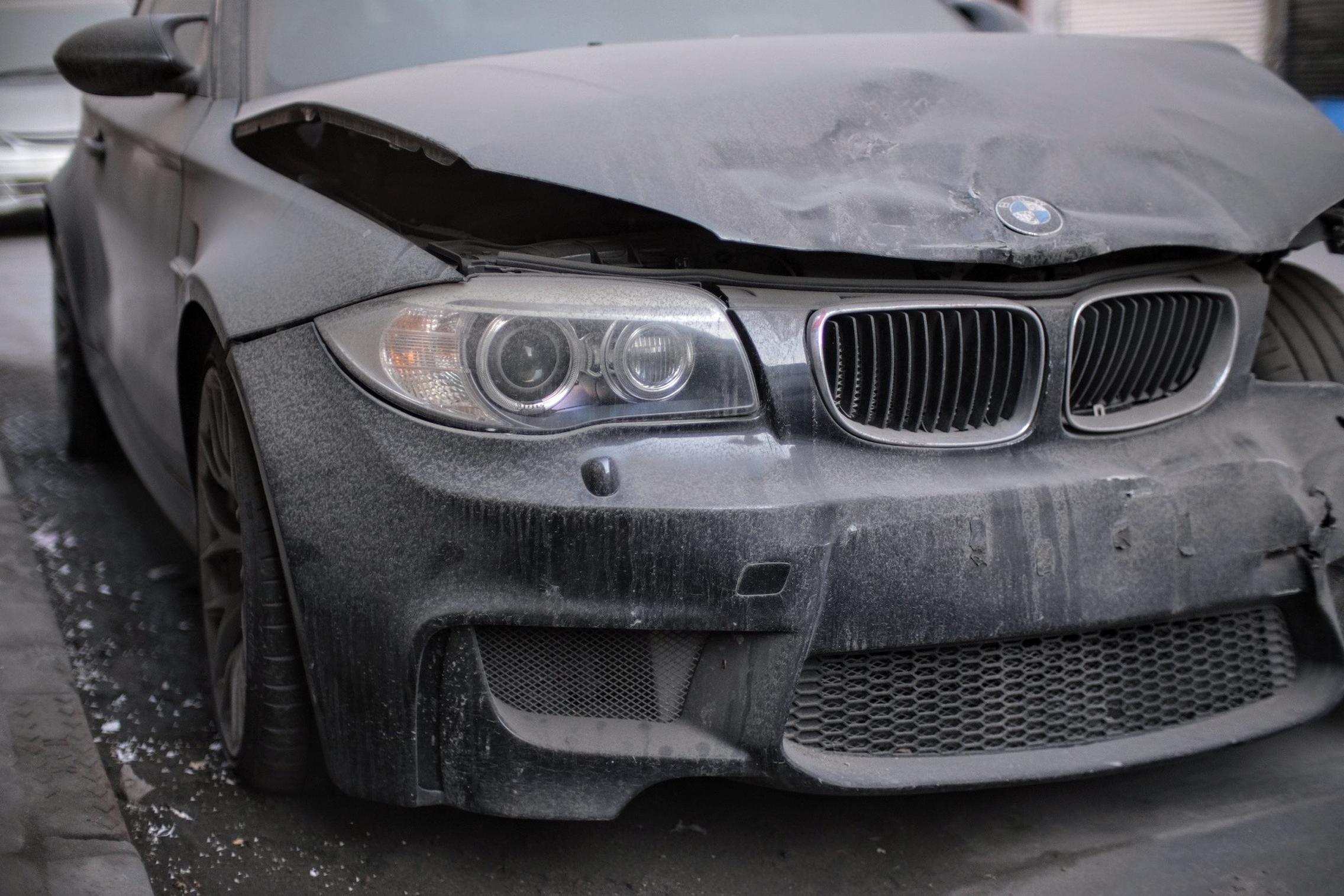 BMW 1M Coupe Crash