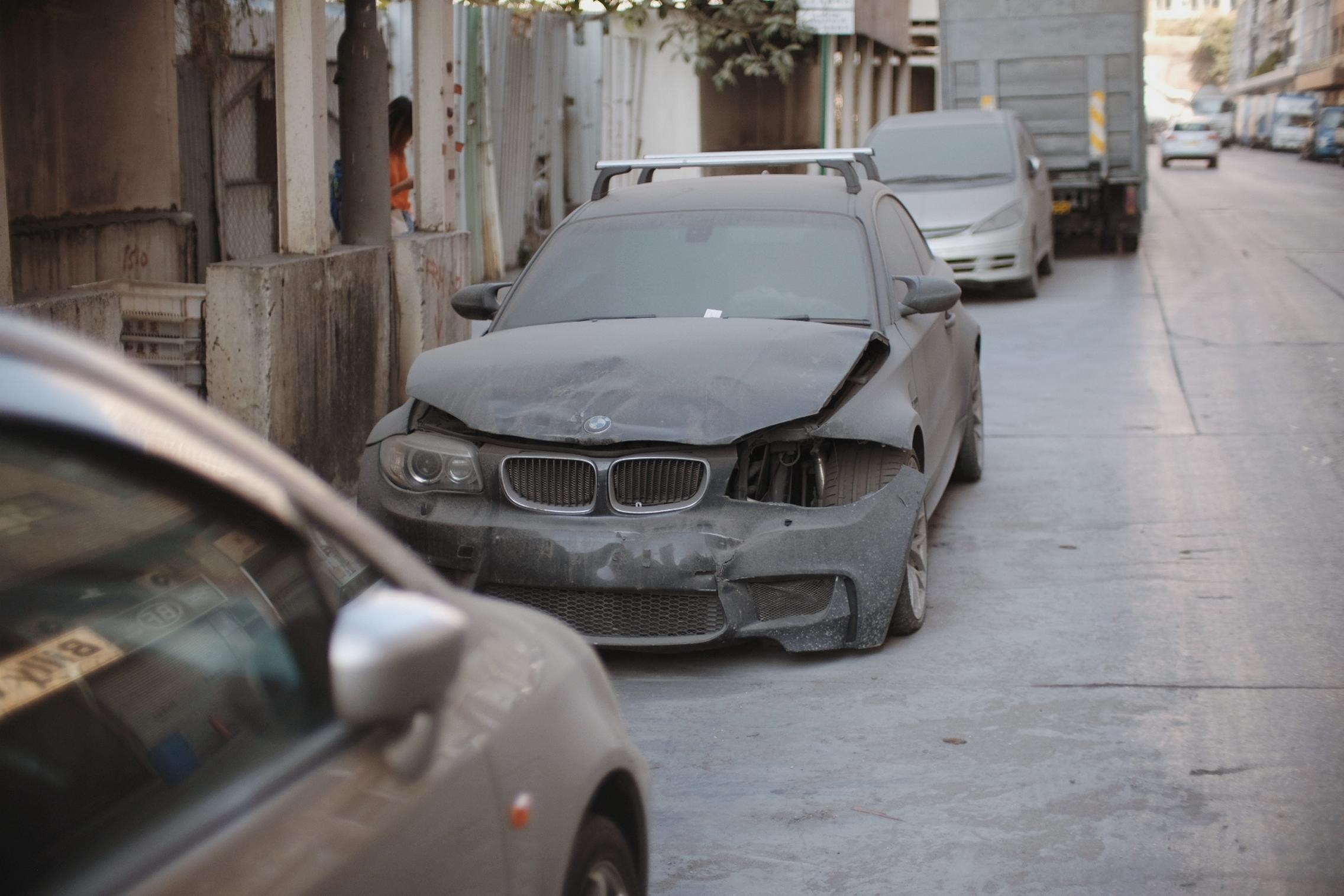 Crashed-BMW-1M-Coupe