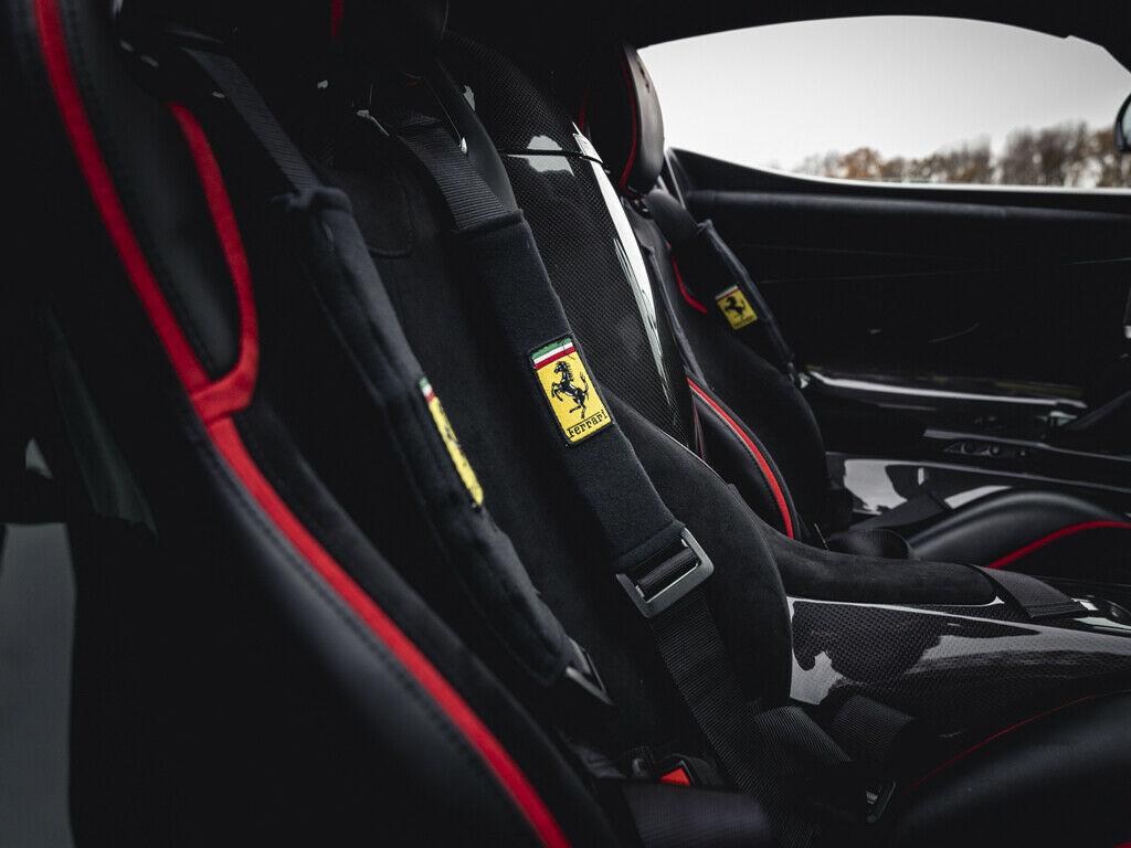 Ferrari LaFerrari seats