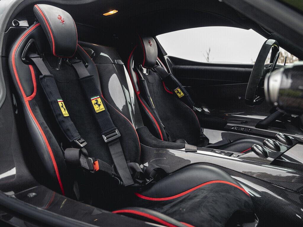 Ferrari LaFerrari cabin