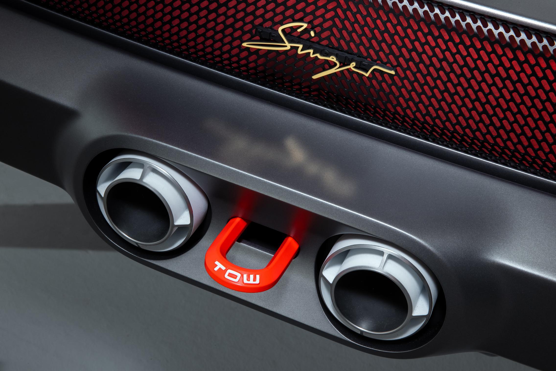 Singer-Tuthill Porsche 911 Safari exhaust