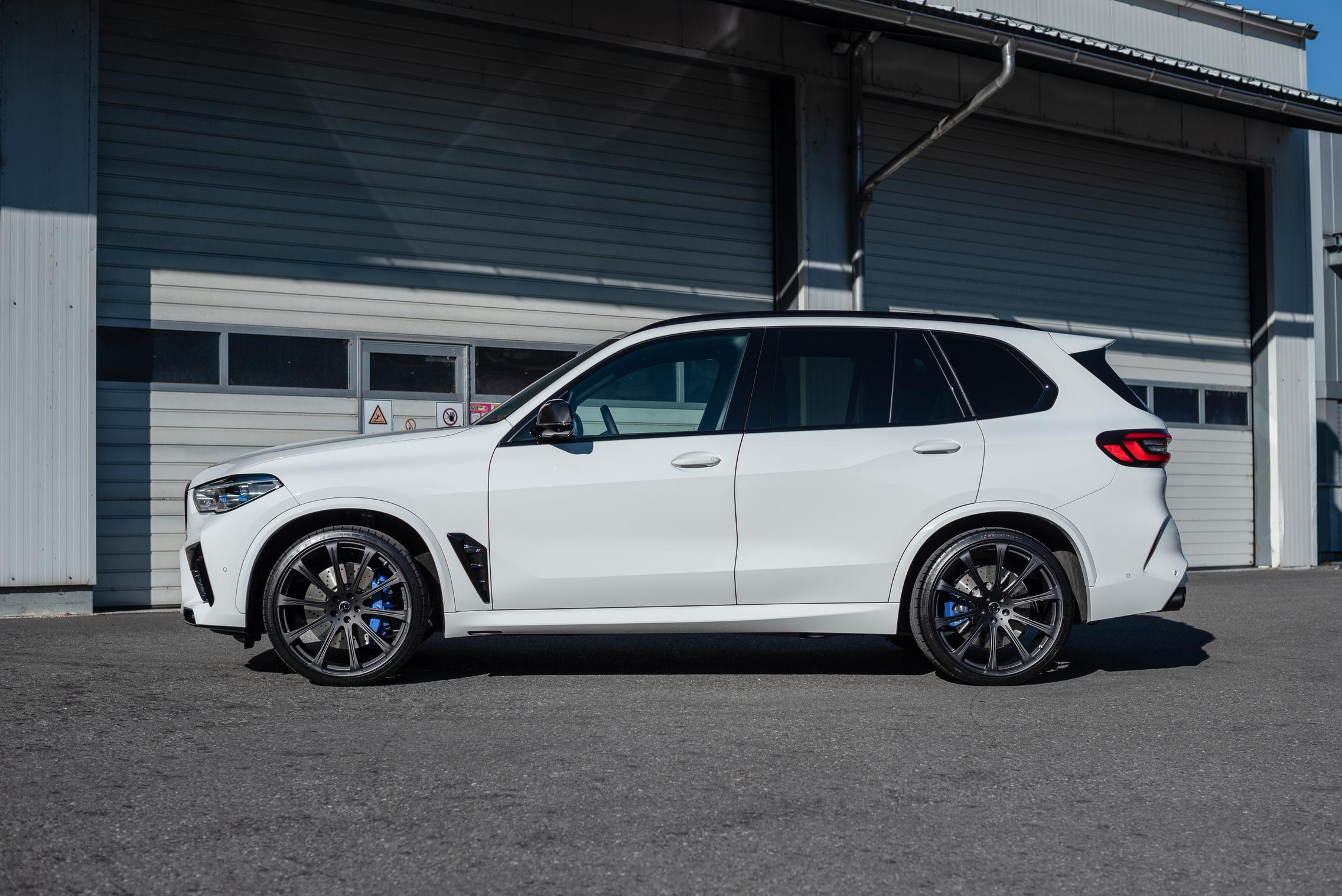 BMW X5 M Competition side