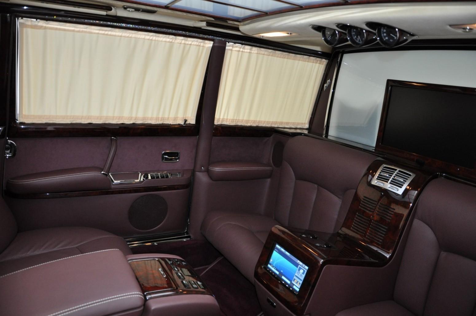 Mercedes-Benz 600 Pullman interior